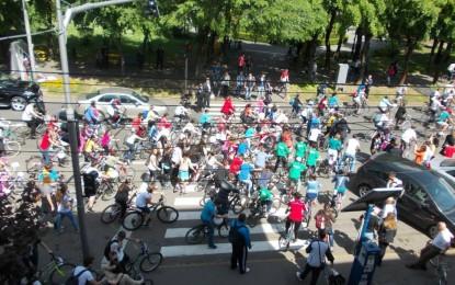 Eveniment unic in Romania: Sute de satmarenii au pedalat pentru biblioteca