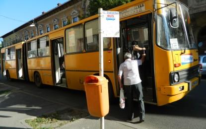 Autobusele trec la programul de vara