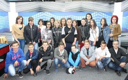 Elevii Şcolii Gimnaziale Păuleşti, în vizită la NVTV şi GNV