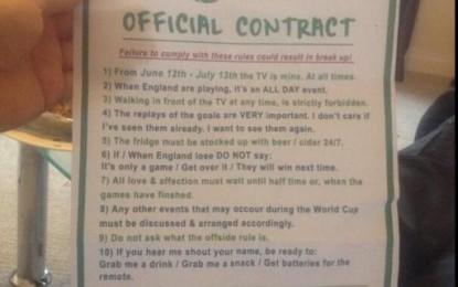 """Și-a pus soția să semneze un contract de """"bună purtare"""" pe durata Cupei Mondiale"""