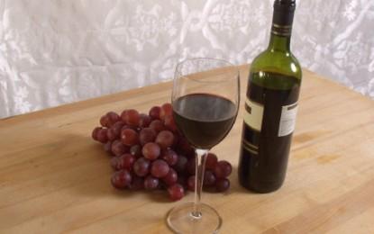 De ce ne este foame atunci cand consumam alcool? Cat de mult ne ingrasa si cum trebuie sa bem vinul