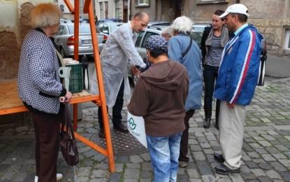 """""""O masa calda"""" – Cum hranesc niste tineri sarmanii din Cluj"""