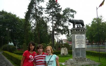 Satul cu cele mai multe statui din tara