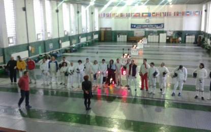 """Peste 40 de participanţi la """"Veteran Fencing Cup"""""""