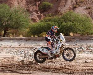 Mani Gyenes încearcă o nouă motocicletă