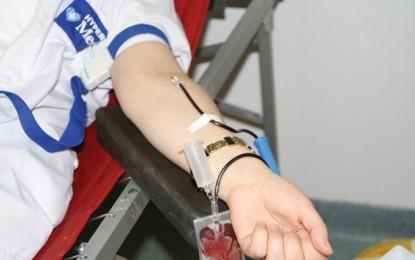 Elevii sătmăreni promovează donarea de sânge