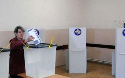Naţionaliştii au obţinut victorii în alegerile municipale la Priştina şi Kosovska Mitroviţa