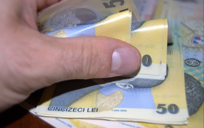 ZIUA în care se vând apartamente la 7.000 de euro şi maşini cu 390 de euro