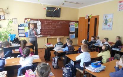 Guvernul reduce norma profesorilor cu gradul I si vechime peste 25 de ani